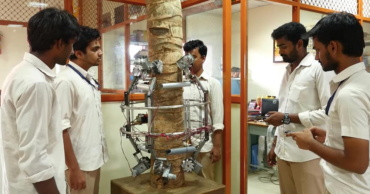 Indian robot climbs trees to harvest coconuts