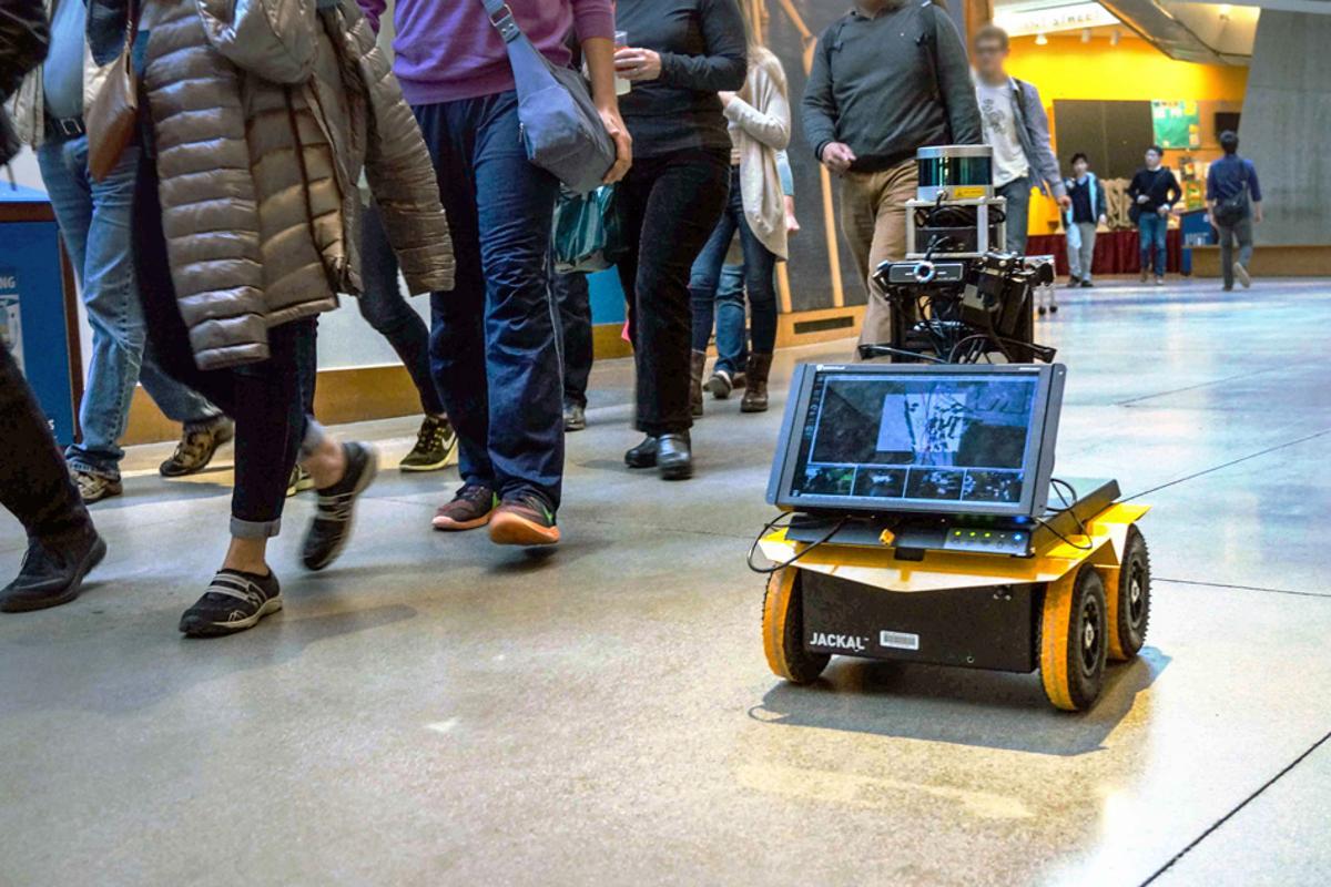 MIT's crowd navigating pedestrian robot in action