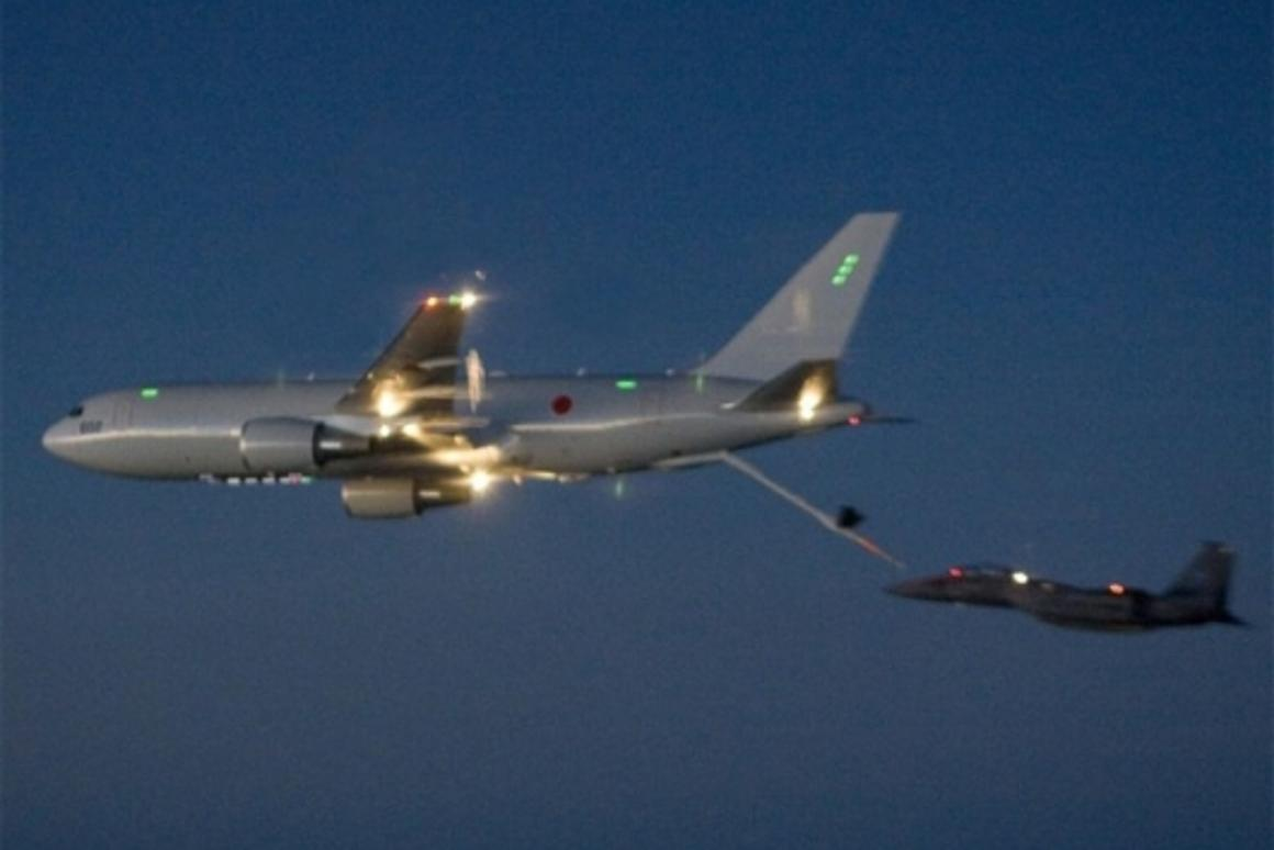 Boeing Completes First KC-767 Tanker Night Refueling