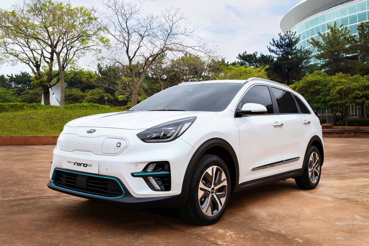 Kia says that the production Niro EV will have over 450 km (280 mi) of range per charge