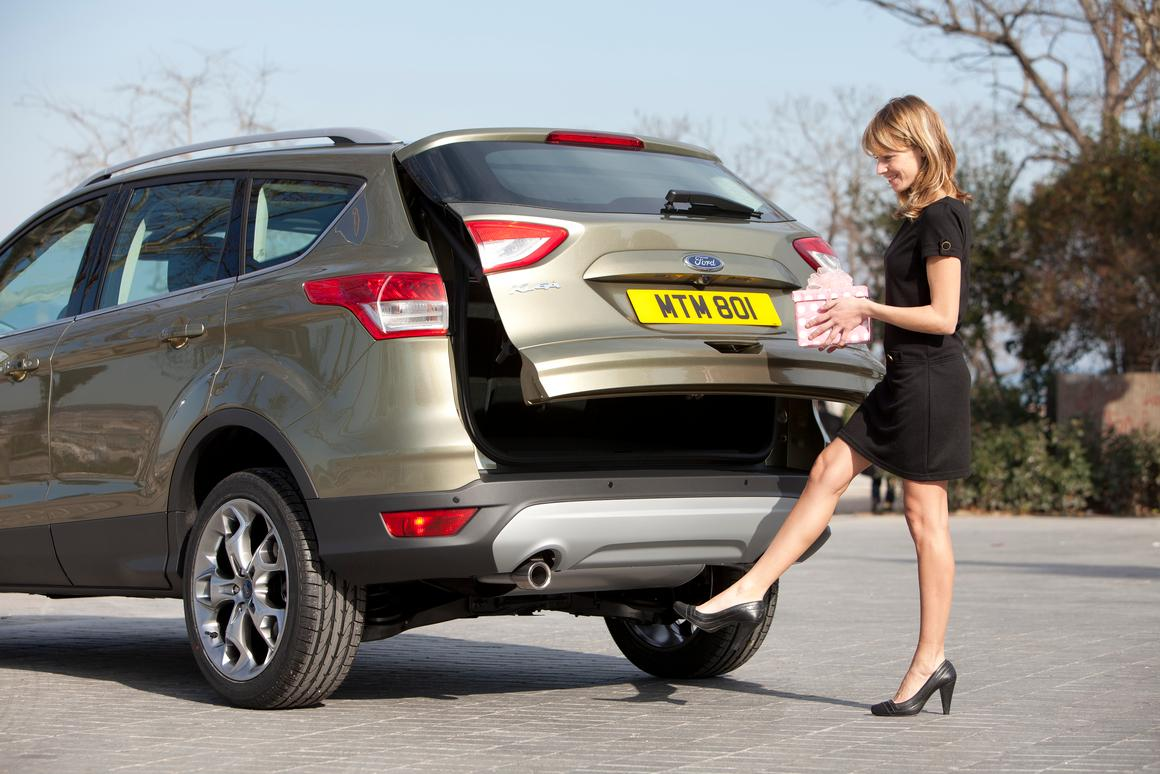 A simple swing of the foot opens the rear hatch thanks to Ford's new kick-activated tailgate