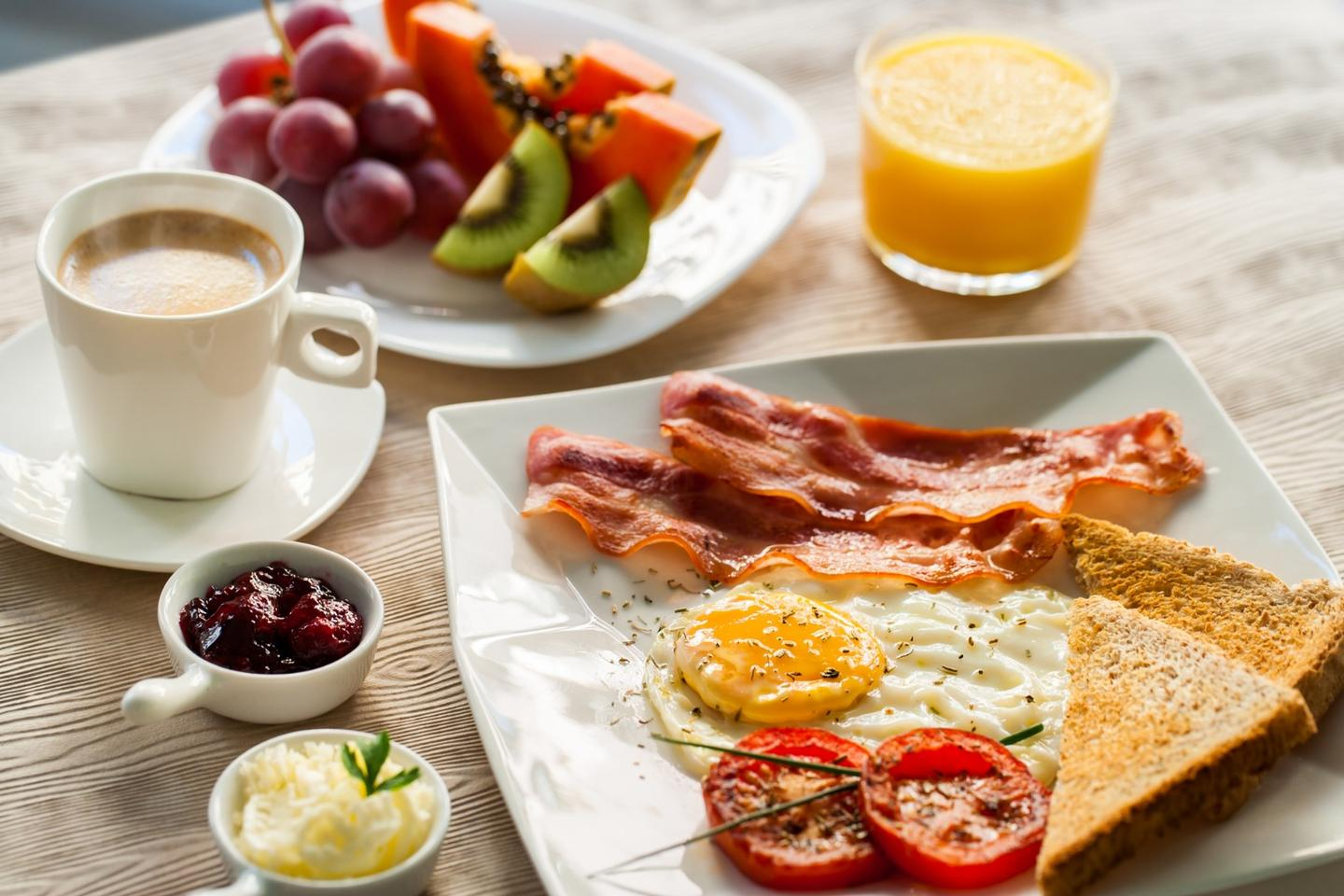 Collecting data from 13 different trials, a meta-analysis found skipping breakfast does not lead to weight gain or energy expenditure alterations
