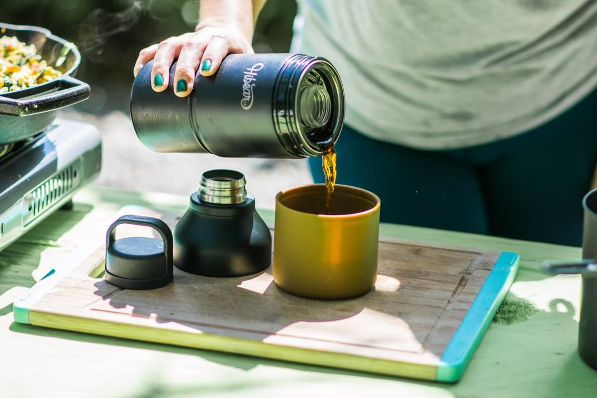 The Hibear flask brews cold brew coffee, tea and more