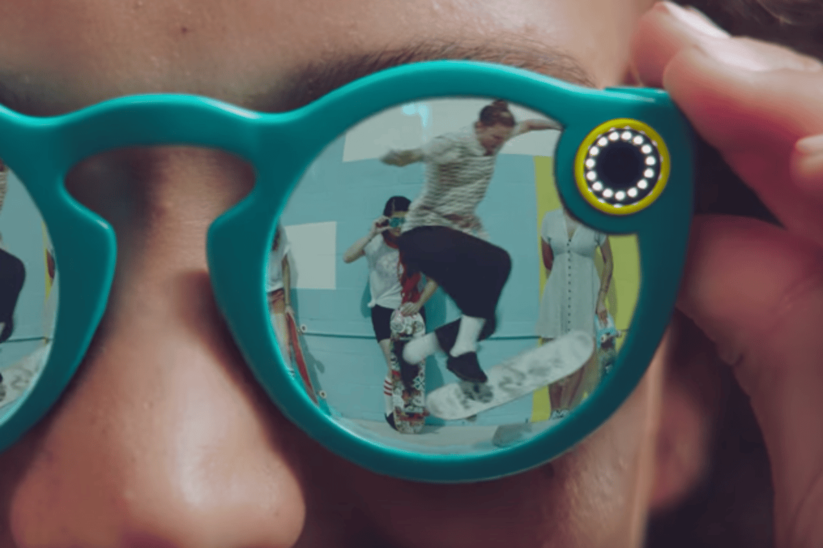 LEDs on the Snapchat Spectacles light to indicate they're recording