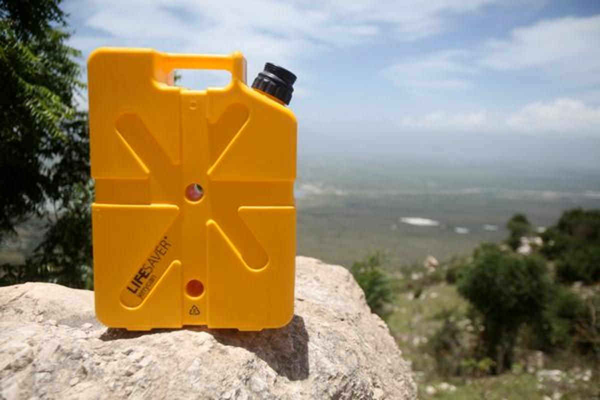 The Jerrycan offers 18.5 liters (4.9 gallons) of water-purifying and carrying capacity