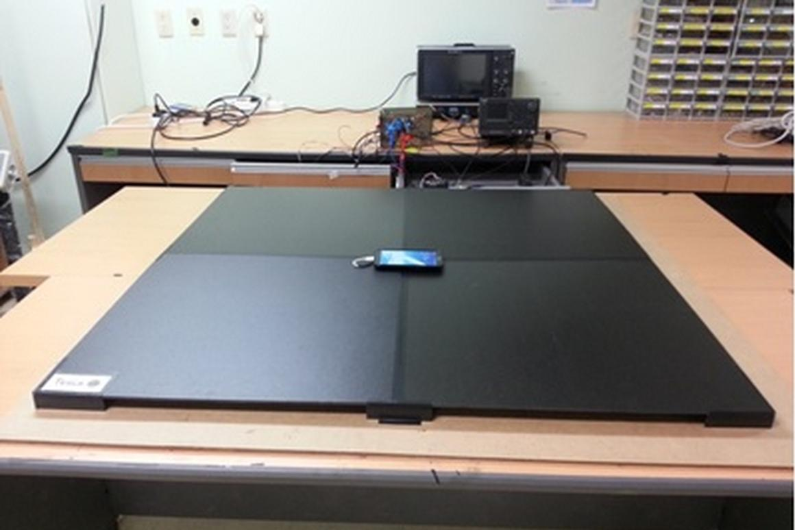 A new wireless power technology developed at KAIST can charge multiple devices at once, regardless of their orientation