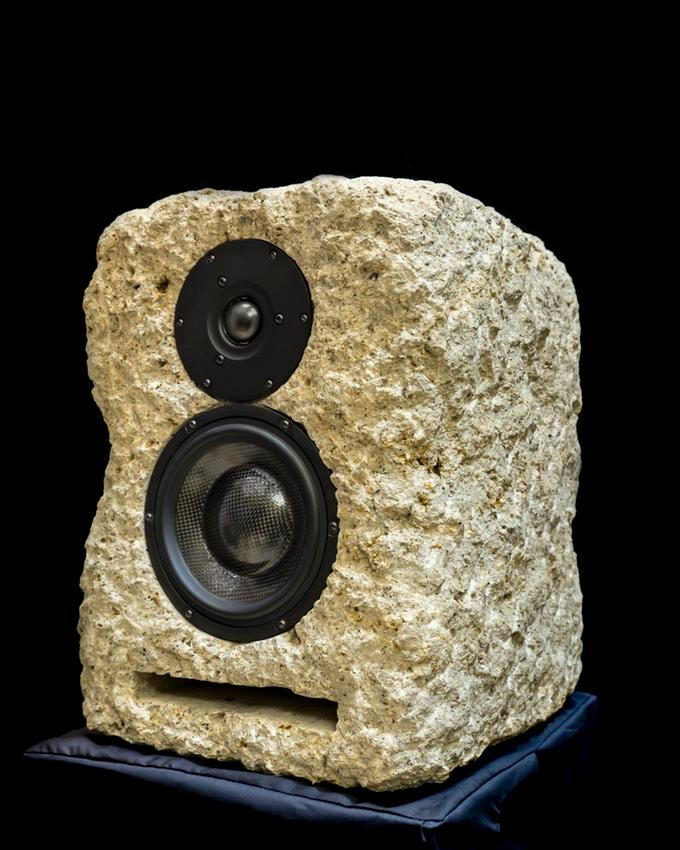 The Stones Speakers 487 Venetia, with vented cabinet, a midwoofer and a tweeter