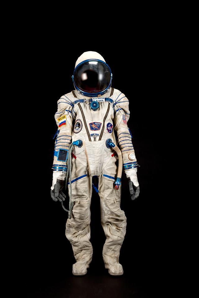 Astronaut Shannon Lucid's spacesuit is a Sokol KV-2 (Photo: Bonhams)