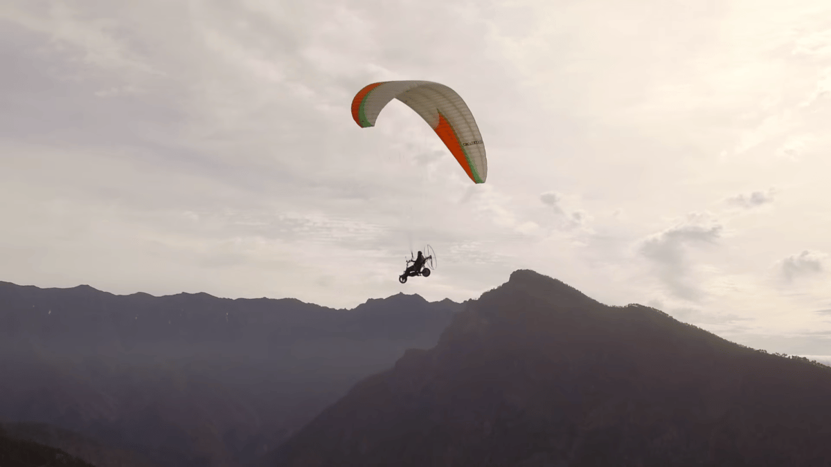 Thomas Senkel flies Skyrider One on its maiden test flight at La Palma in the Canary Islands