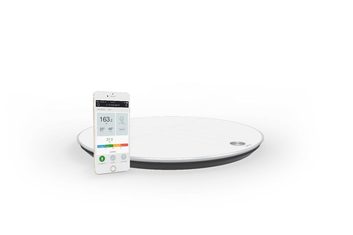 QardioBase smart scale and accompanying app for iOS and Android devices