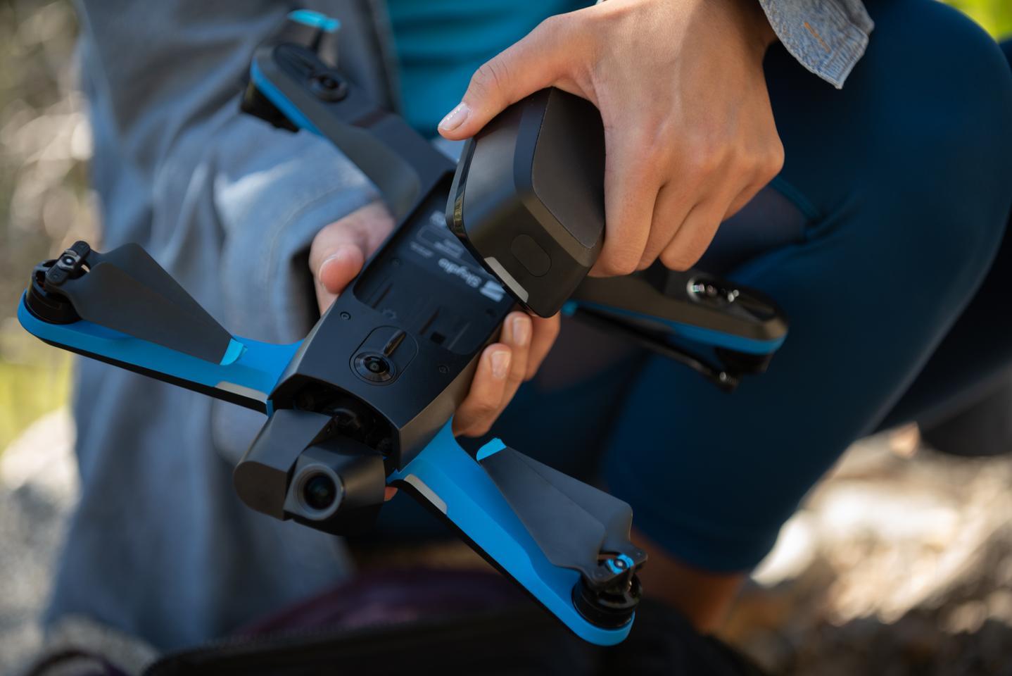 La fotocamera 4K / 60p / 12-mp offre un sensore Sony con un'eccellente gamma dinamica