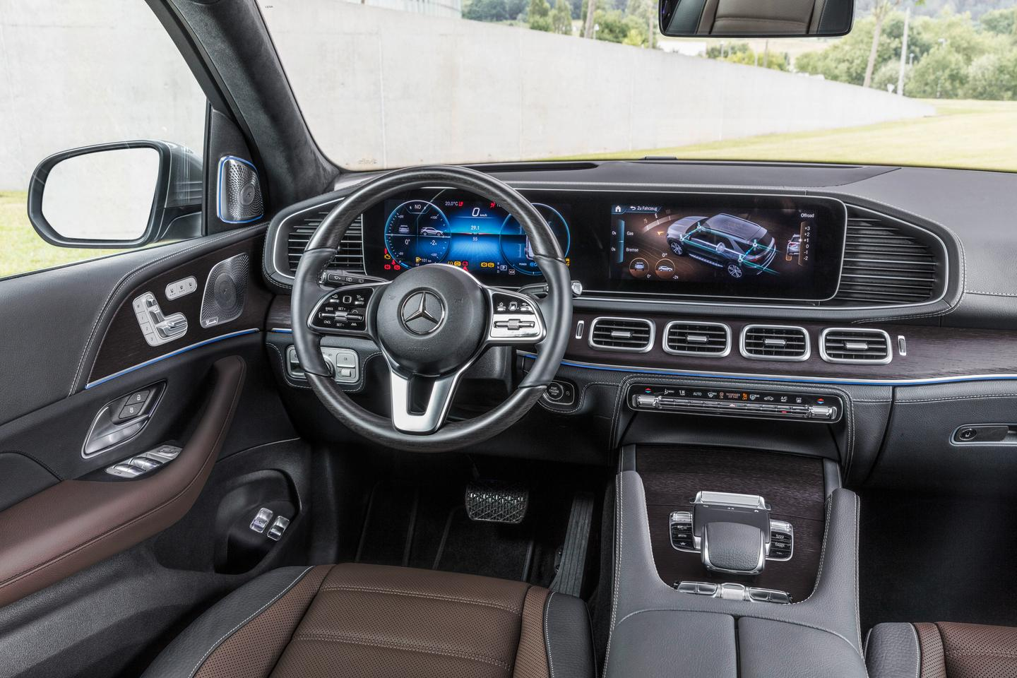 2019 Mercedes-Benz GLE: interior with dash and MBUX system