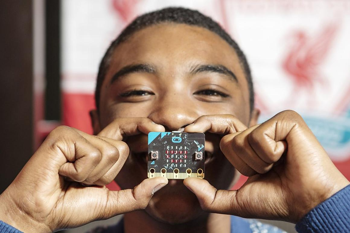 The micro:bit is based on ARM mbed hardware, and features an LED display, buttons, a motion detector, a compass and sensors