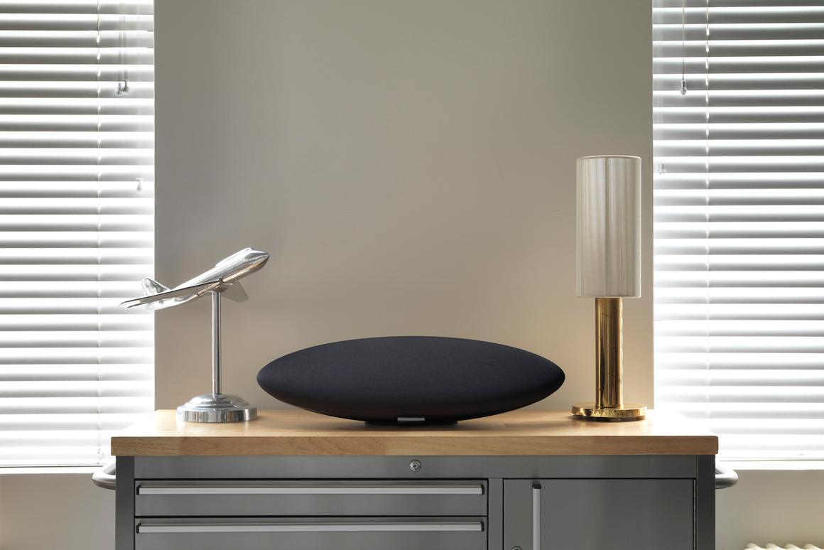 The Bowers and Wilkins Zeppelin Wireless