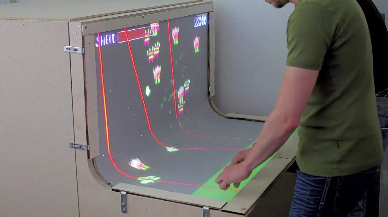 BendDesk offers multi-player, multi-touch gaming opportunities
