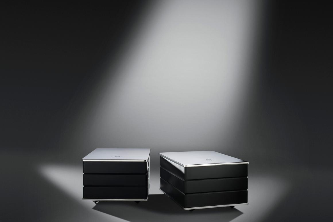 Marten's new M-Amp Mono Power Amplifier uses a new technology called Adaptive Modulation Servo that's said to provide a wide bandwidth, really low audio distortion and high power output