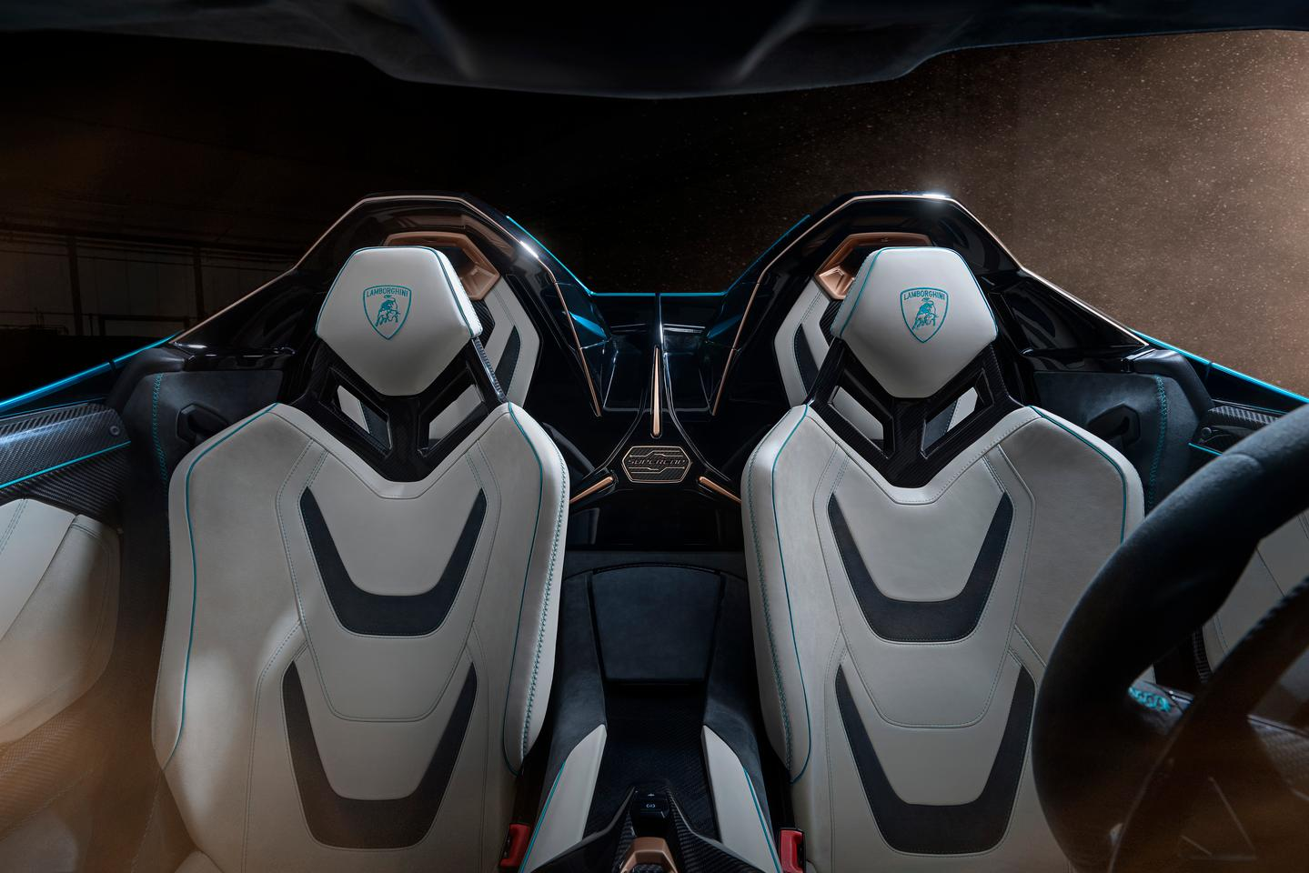 Them's some sexy lookin' seats