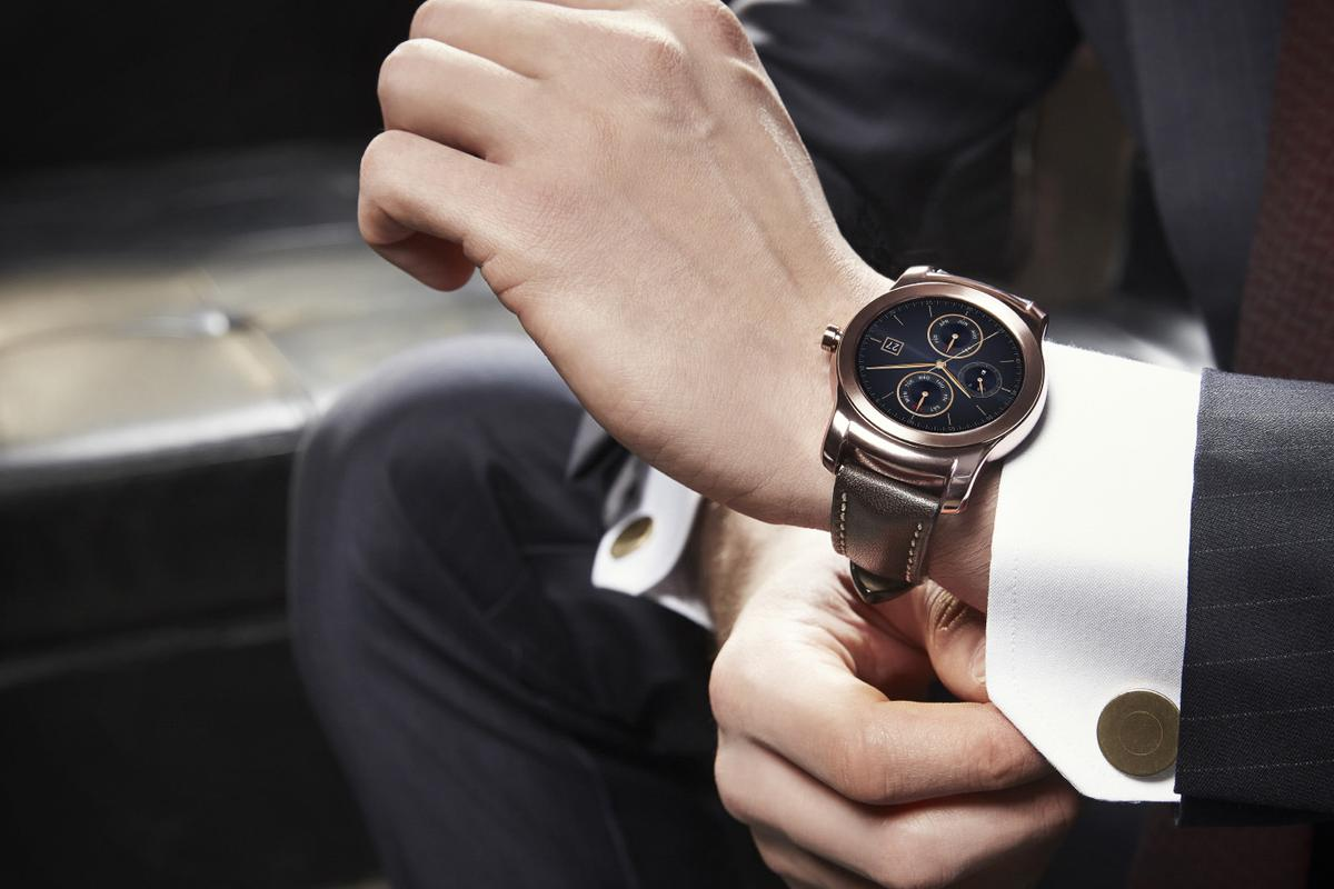 LG's G Watch R was one of the more fashionable-looking smartwatches of 2014, but the LG Watch Urbane (above) looks to up the ante