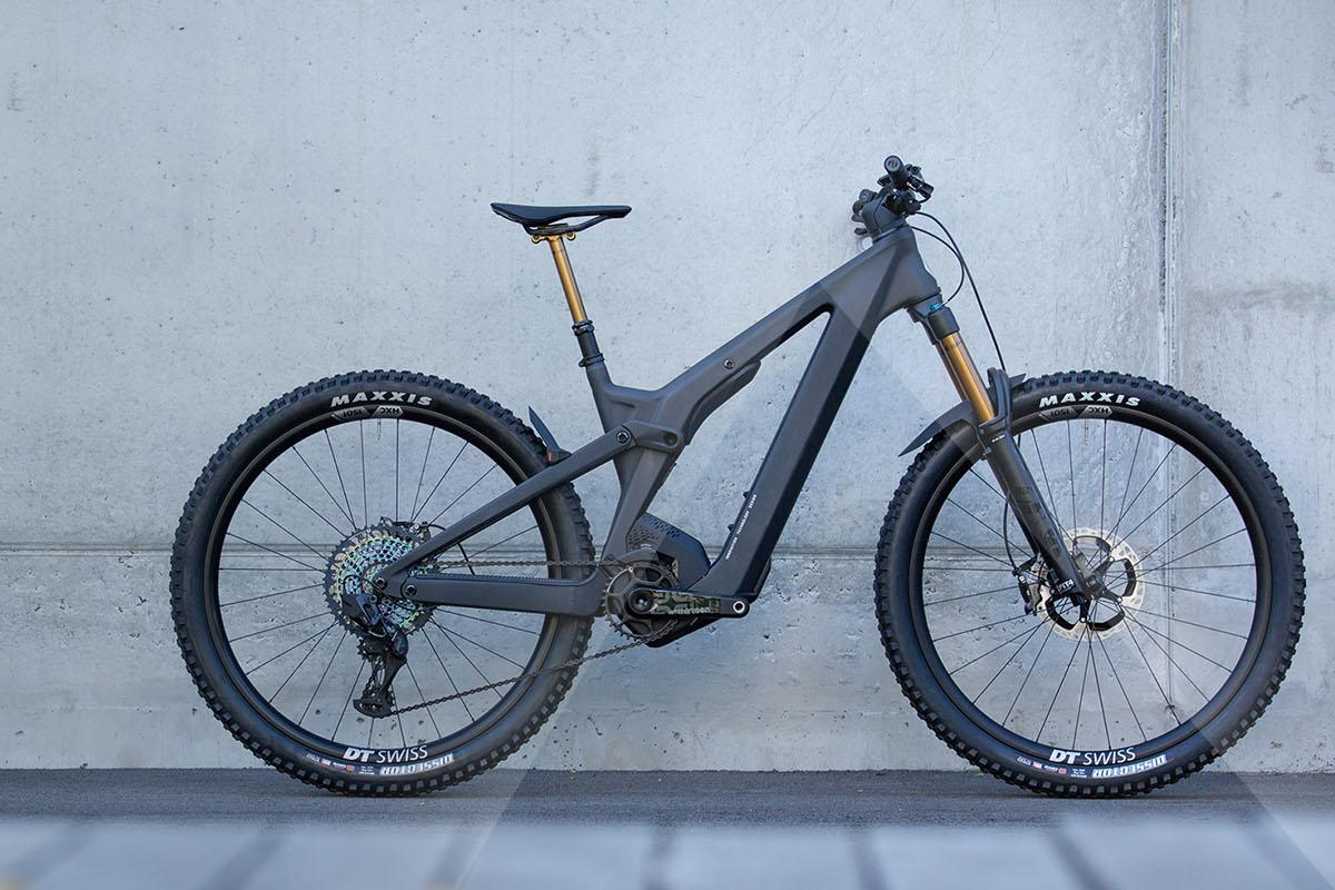 It almost looks like a hardtail: Scott has hidden the shock up in the frame