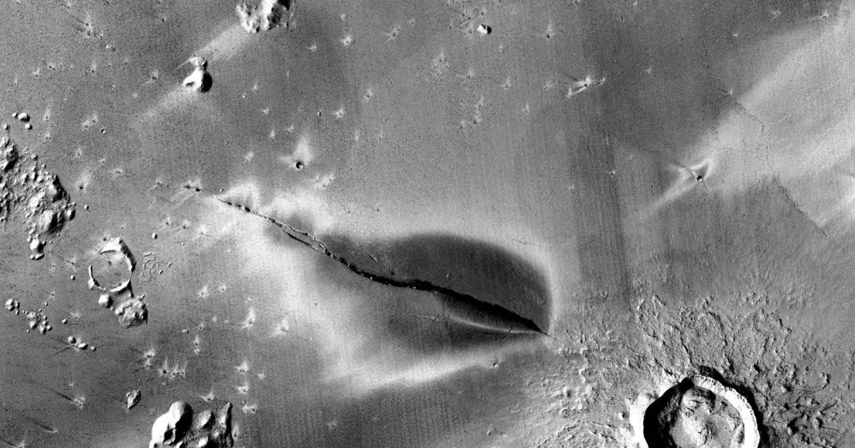 """Recent"" volcanic eruption on Mars boosts subsurface life hypothesis"