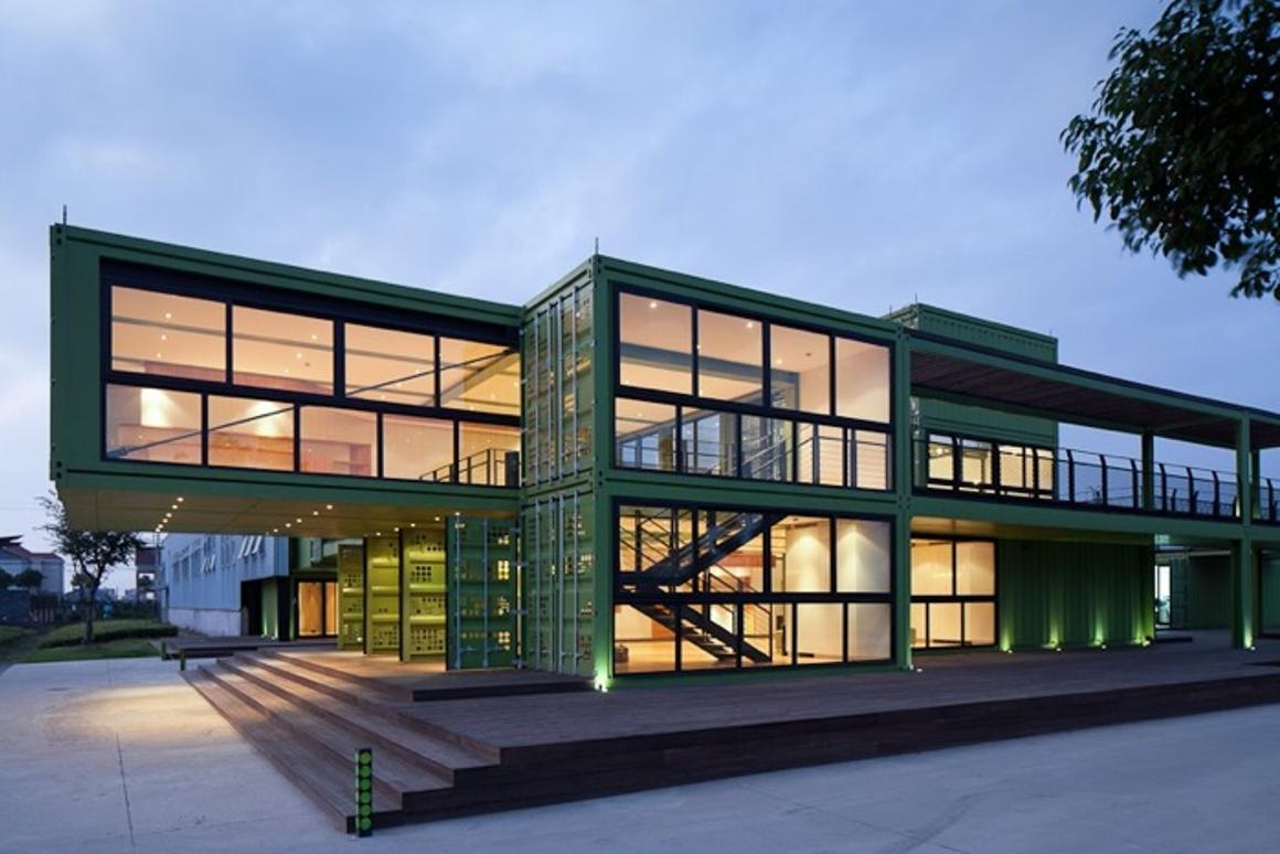 The shipping container visitor center at Tony's Farm near Shanghai (Photo: Bartosz Kolonko/Playze)