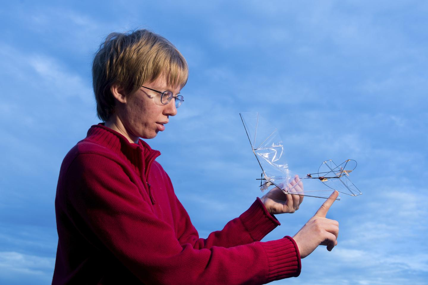 Study lead author Amanda Stowers with the folding wings (Photo: Stanford University)