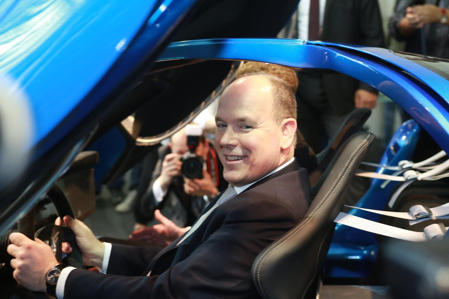 The 1MW makes a first impression on Prince Albert II of Monaco (Photo: Top Marques Monaco)