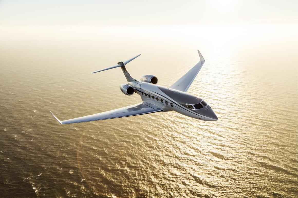 A Gulfstream G650ER broke thebusiness jet speed and distance records flyingfrom Singapore to Tucson
