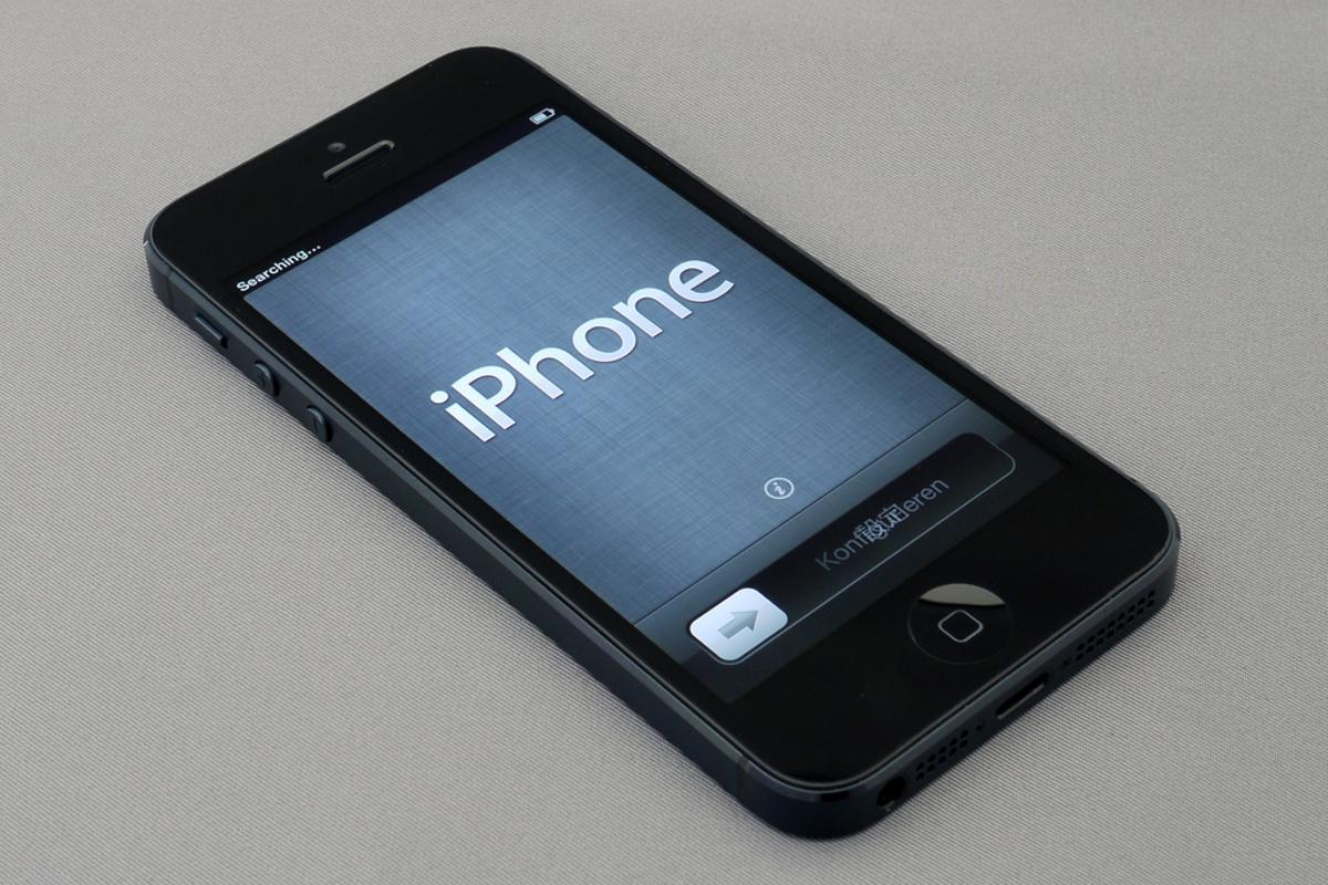 The iPhone 5's display is twice as responsive as those in non-Apple handsets, new benchmarking suggests (Photo: Brett Jordan)