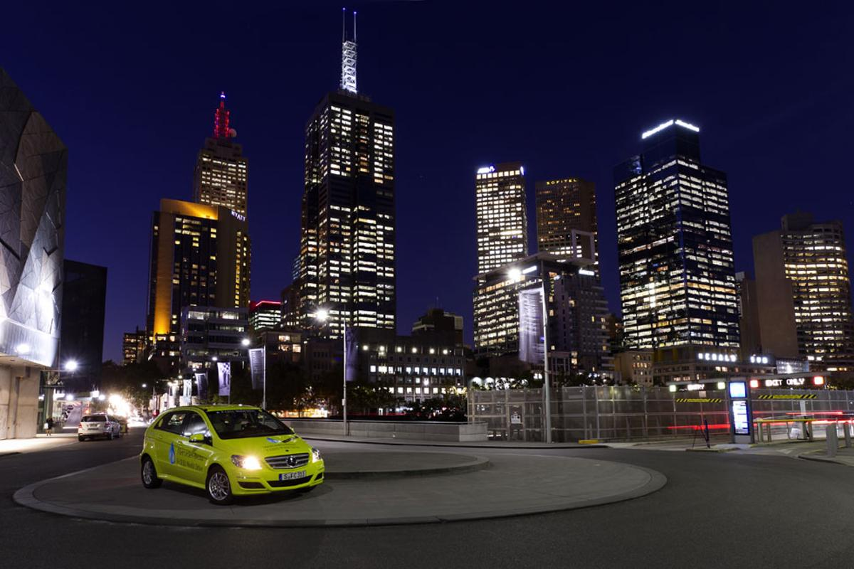 Mercedes-Benz F-Cell roadshow hits continent number three