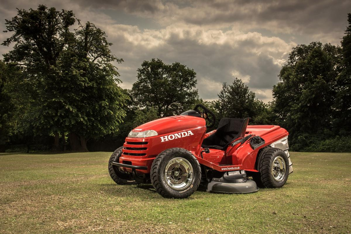 Gizmag takes a look at some of the mowing options out there