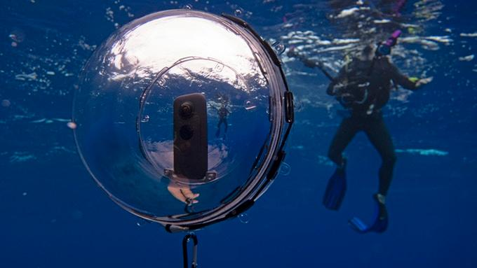 The 360bubble Deep works with a variety of third-party cameras