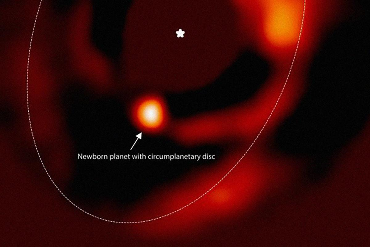Detail of an infrared image of the newborn planet, PDS 70 b and its circumplanetary disk