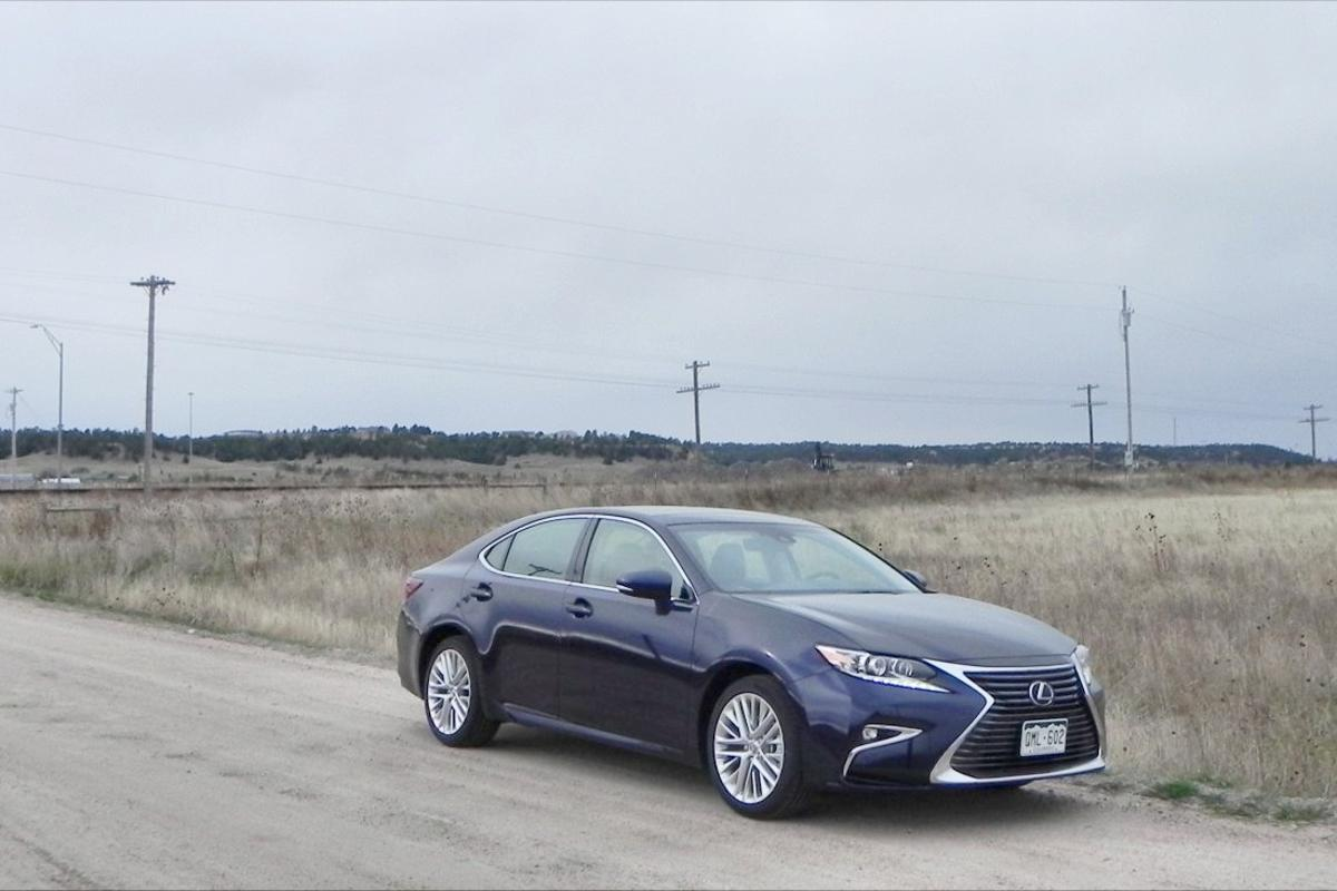 The Lexus ES 350 is an enjoyable car for those who prefer luxury and finesse to power and performance