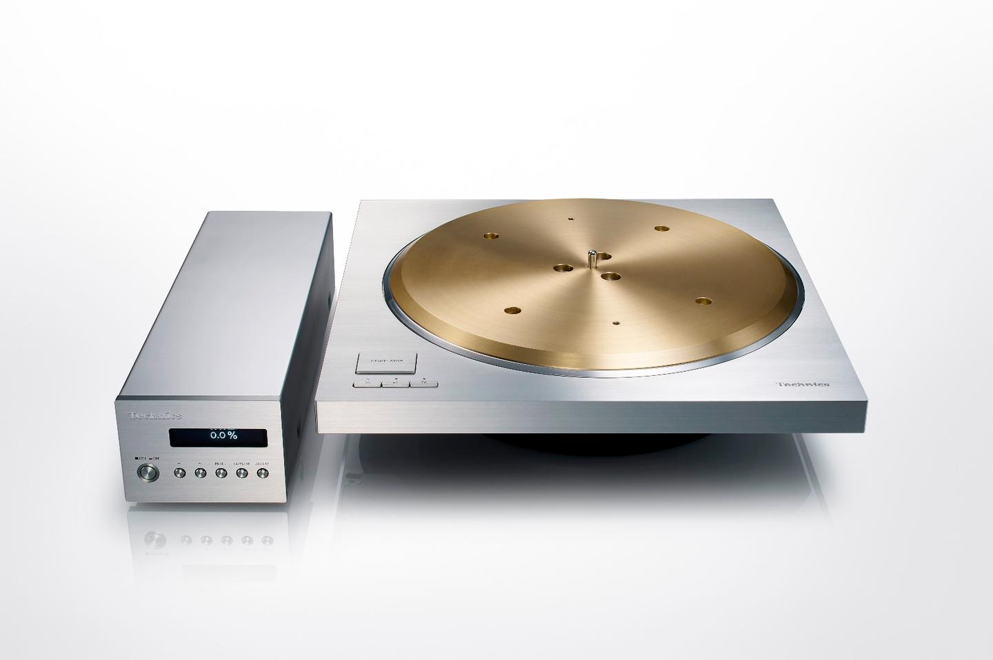 To keep noise to a minimum, the SP-10R's control/power unit has been separated from the turntable unit