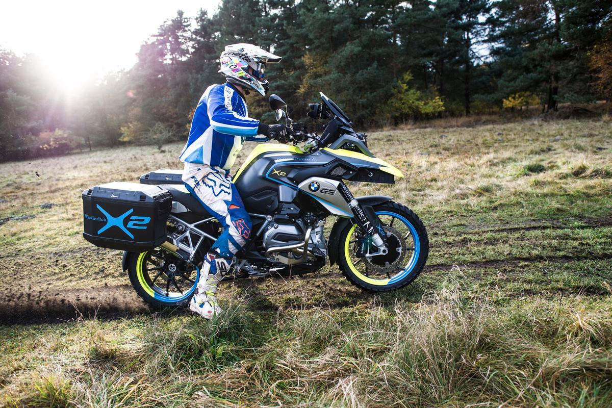 Wunderlich's 2WD BMW R1200GS LC: can go up to 20kmh on electric power alone