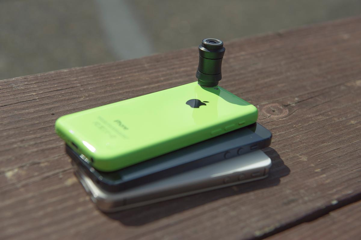 The Lensbaby LM-10 Sweet Spot Lens has been designed for use with the iPhone 4s, 5, 5s, and 5c
