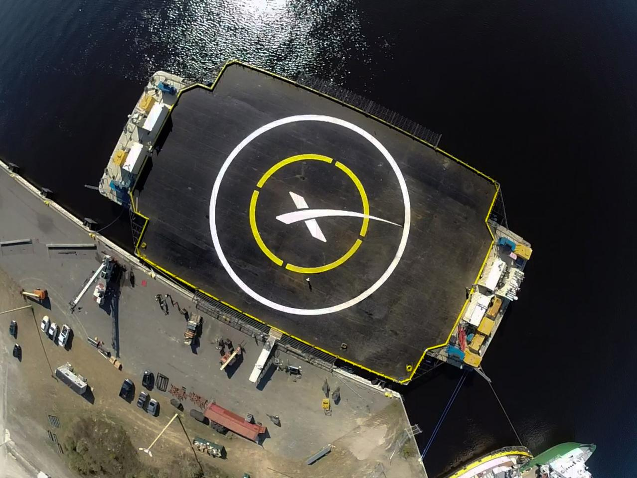 An autonomous spaceport drone ship will act as the landing target for the Falcon 7
