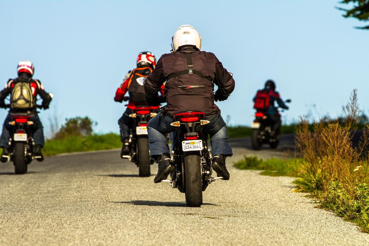 The world's least badass motorcycle gang: Five Zero SRs take to the road (Photo: Joe Salas/4theriders.com)