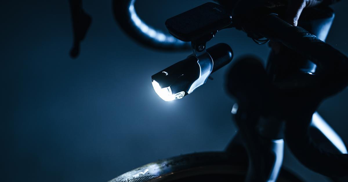 "Bright bike headlight ""flattens"" its light output to reduce glare"