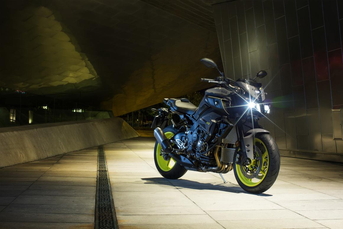 With a very powerful engine and a competitive price, the Yamaha MT-10 is expected to hit European showrooms in May