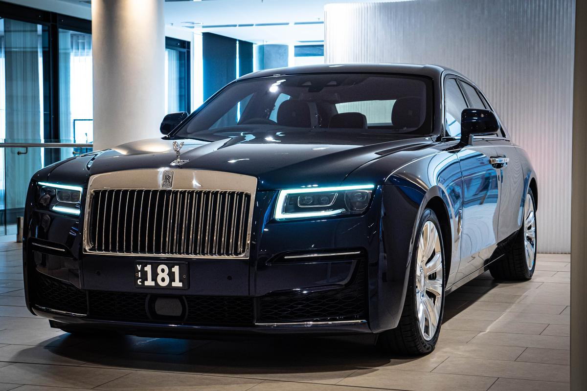 The third-generation Rolls-Royce Ghost aims to chill things out a tad on the ostentation front
