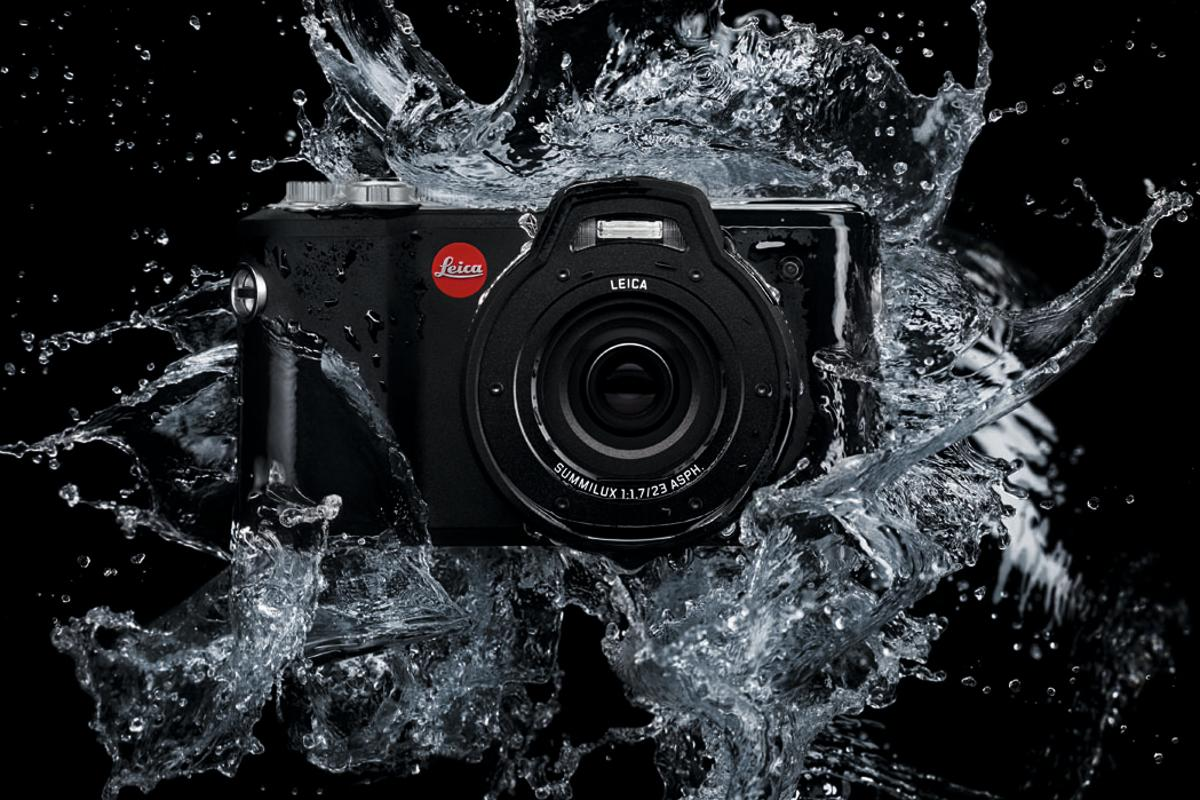 The Leica X-U is waterproof to depths of 15 m (49 ft) for up to 60 minutes