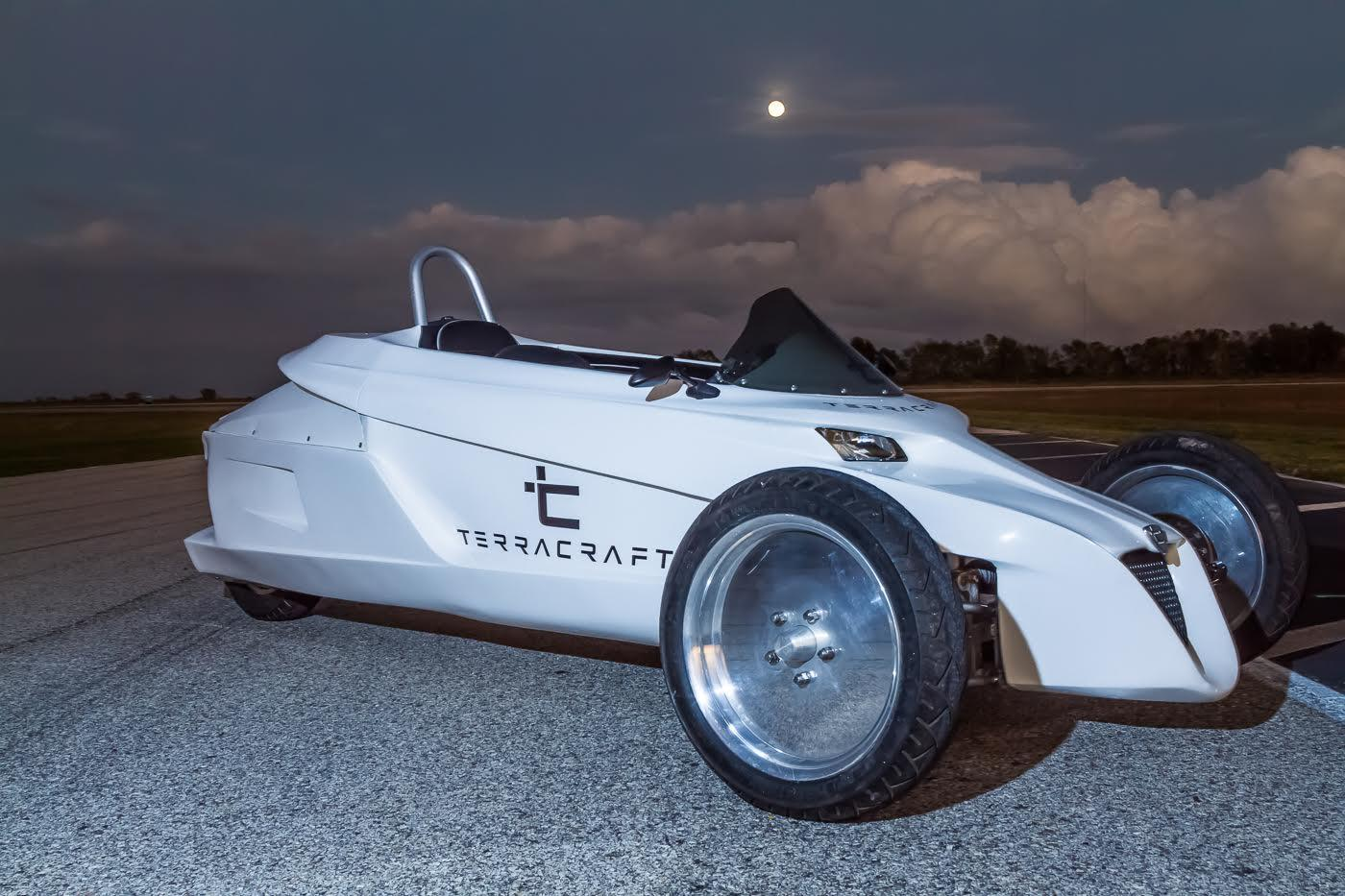 The Terracraft SuperTrike is an auto-tilting three-wheeler with roll-bar safety system