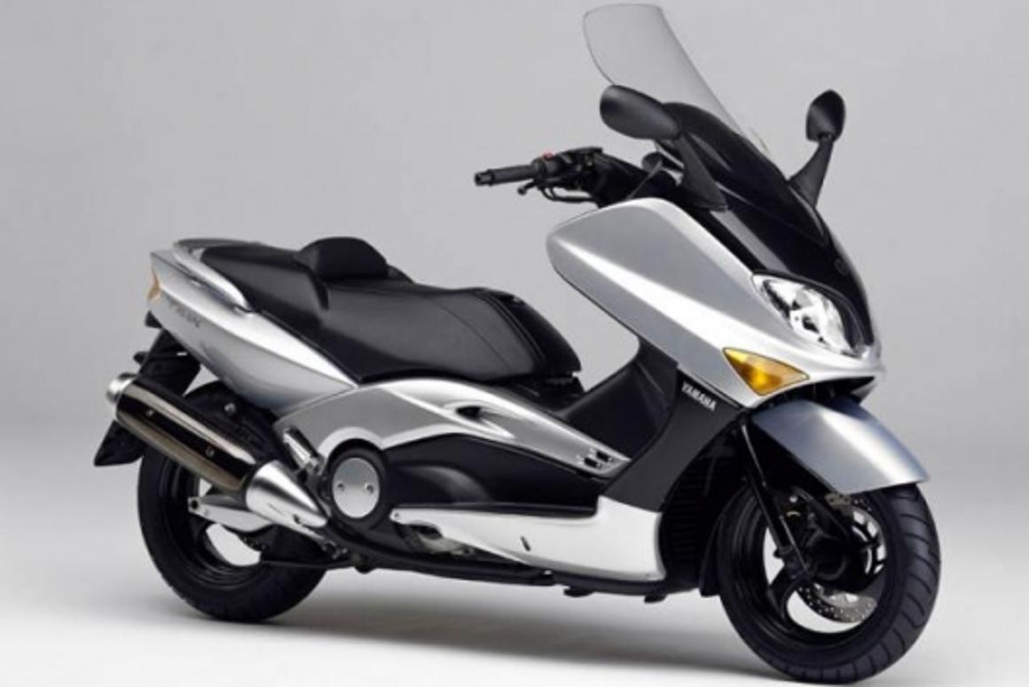 Piaggio testing 850cc scooter with radical new electronic