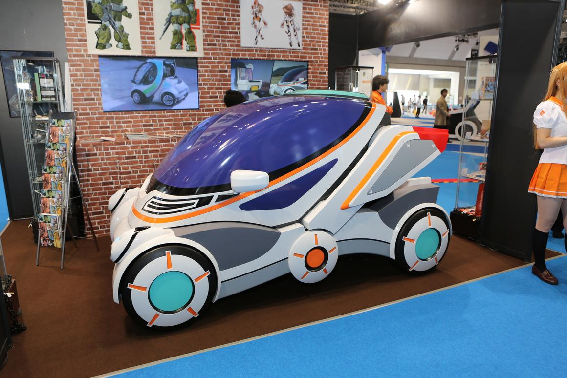 "The Gundam-inspired ""Niigata model"" Hiriko folding electric car mockup at the Tokyo Motor Show (Photo: Mike Hanlon / Gizmag.com)"