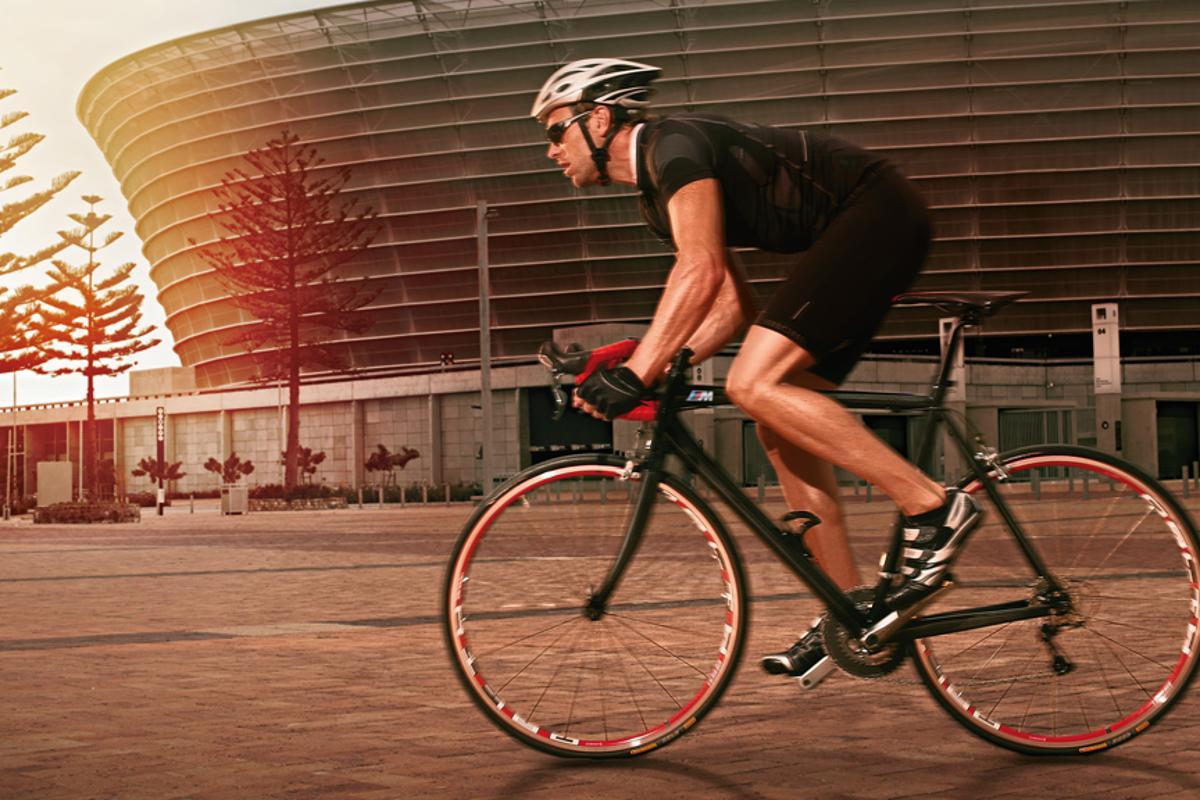 The M division-designed BMW M Bike Carbon Racer