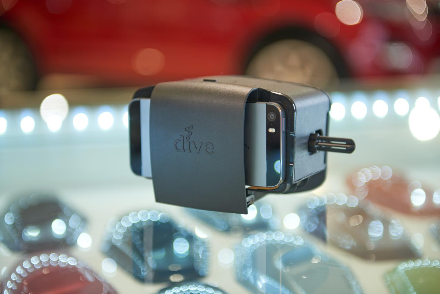The Durovis Dive headset