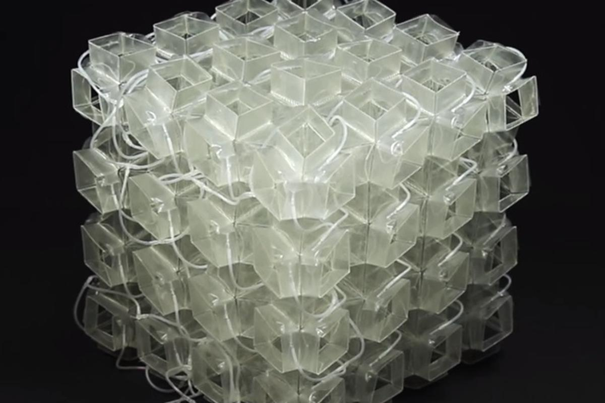 Using thin polymer sheets, the team created 64 individual cells to make a 4 x 4 x 4 cube capable of growing, shrinking, changing its entire shape, altering the orientation of its microstructure, and folding to become totally flat