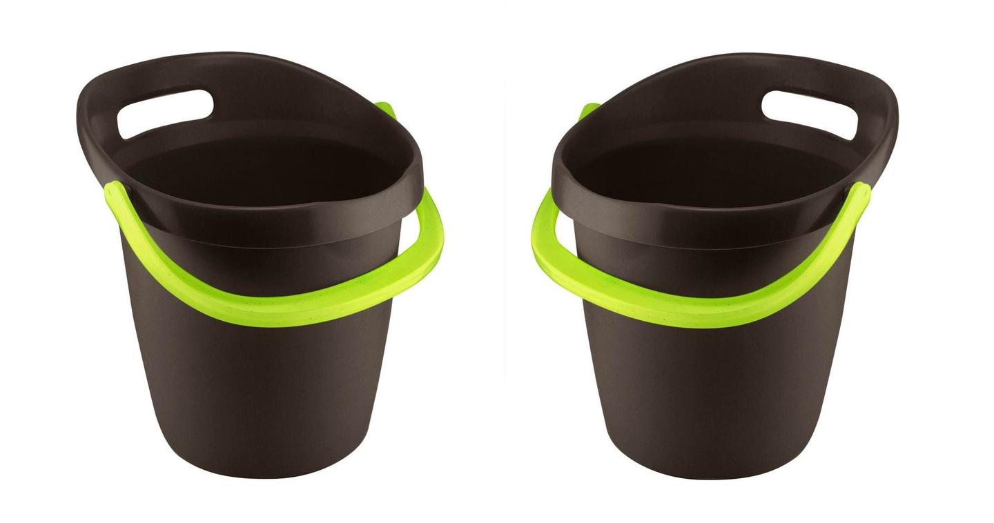 The Leaktite Big Gripper is a new take on the humble bucket, with an ergonomic design making it easier to use